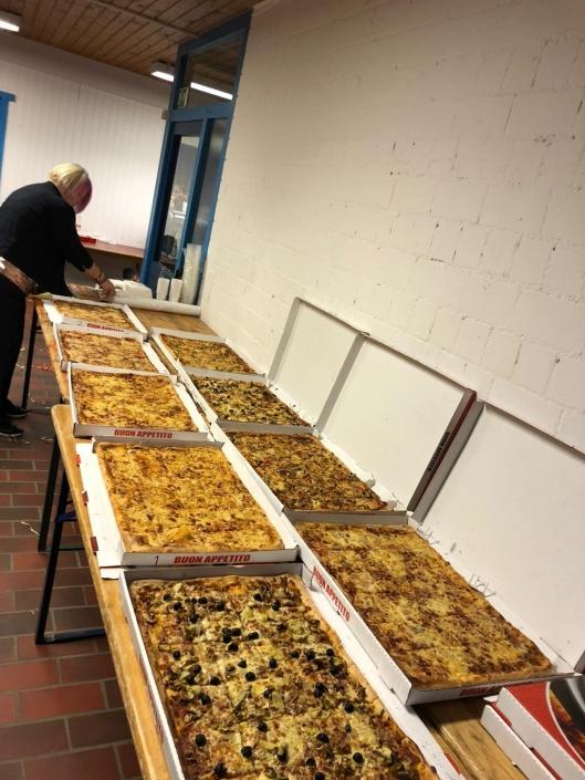 Pizza durante la serata di carnevale